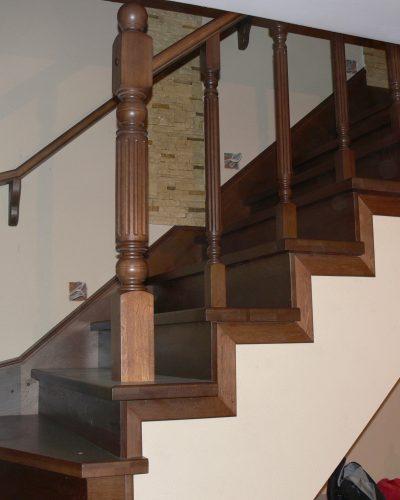 Лестница на косоурах закрытая 5